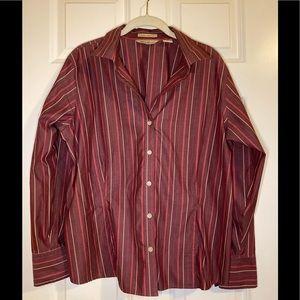 EUC Eddie Bauer wrinkle resistant blouse.